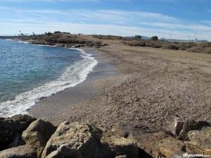Playa para perros de La Cañada del Negro en Águilas.  Imagen: Allyouneedinmurcia.com